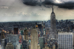 De Staat van het imperium met donkere wolken Stock Fotografie