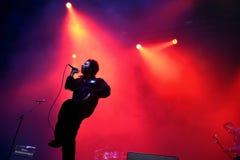 De Staatsgreep (hiphop en zielband) levende muziek toont bij Bime-Festival Stock Fotografie