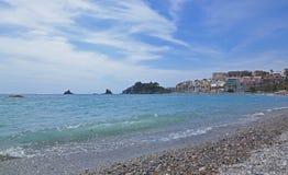De stad Almunecar in Spanje, panorama van de kusttoevlucht Royalty-vrije Stock Foto's