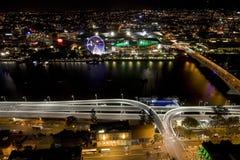 De Stad die van Brisbane Southbank overziet Stock Afbeeldingen