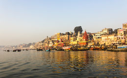 De stad en ghats van Varanasi royalty-vrije stock foto
