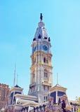 De Stad Hall Dome van Philadelphia met William Penn-monument boven op Towe stock foto's