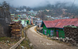 De stad Lachen van het bergdorp van Noord-Sikkim, India royalty-vrije stock afbeelding