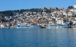De stad Ohrid bij het Ohrid-Meer Royalty-vrije Stock Foto