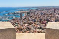 De stad Spanje van Alicante in de zomer van hierboven stock foto's