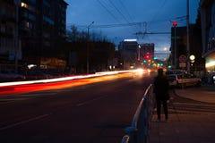 de stad steekt lichte slepen in Stara Zagora, Bulgarije aan royalty-vrije stock fotografie