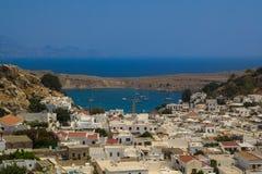 De Stad van Agios Pavlos Lindos Beach en Lindos- Royalty-vrije Stock Foto
