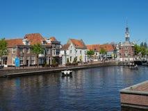 De stad van Alkmaar in Nederland Stock Foto