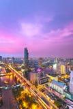 De stad van Bangkok bij zonsondergang Stock Foto