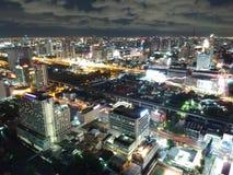 De stad van Bangkok nooit valt in slaap Royalty-vrije Stock Foto's