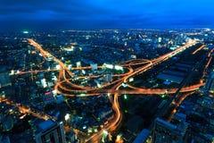 De stad van Bangkok in schemering Stock Foto's
