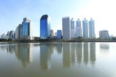 De stad van Bangkok in schemeringtijd Royalty-vrije Stock Afbeeldingen
