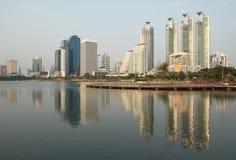 De stad van Bangkok in schemeringtijd Royalty-vrije Stock Foto