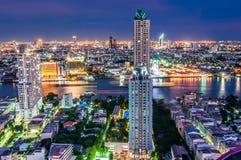 De stad van Bangkok van schemeringmeningen Royalty-vrije Stock Foto