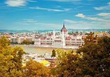 De stad van Boedapest in de herfst Stock Afbeeldingen
