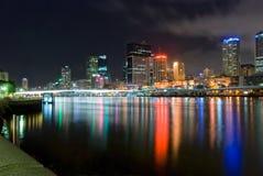 De Stad van Brisbane bij Nacht - Queensland - Australië Stock Foto's