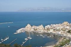 De stad van Castellammare del Golfo Stock Afbeeldingen