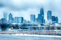 De stad van Charlotte Noord-Carolina na sneeuwstorm en ijsregen royalty-vrije stock fotografie