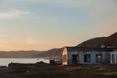 De stad van de lentelistvtanka op het meer van de Baykal Royalty-vrije Stock Foto's