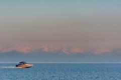 De stad van de lentelistvtanka op het meer van de Baykal Stock Foto's