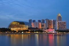 De stad van de nacht van Singapore rivier Stock Foto