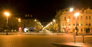 De stad van de nacht. Vilnius. Litouwen Stock Foto