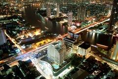 De stad van de stad bij nacht Royalty-vrije Stock Afbeelding