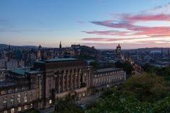 De Stad van Edinburgh bij Schemer Royalty-vrije Stock Afbeelding