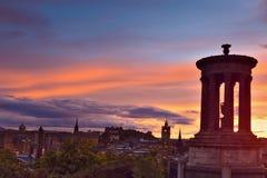 De stad van Edinburgh bij zonsondergang Royalty-vrije Stock Afbeelding