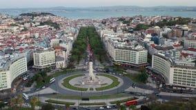 De stad van Europa van het luchtpanorama, Marquis Pombal Square, Lisbone Portugal, hommelmening stock videobeelden