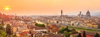 De stad van Florence tijdens zonsondergang stock afbeelding