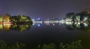 De stad van Hanoi bij nacht Royalty-vrije Stock Fotografie