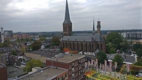 De stad van Hengelo zoals die van een feewiel tijdens een markt wordt gezien stock afbeelding