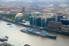 De stad van het panorama van Londen omvat oud slagschip Royalty-vrije Stock Fotografie