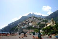 De stad van het strand en van cliffside Royalty-vrije Stock Foto