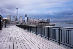 De Stad van Hudson River Waterfront Walkway New Jersey stock afbeeldingen