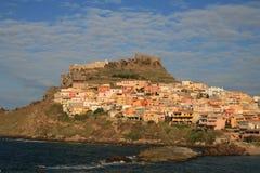 De stad van Kastelsardo, Sardinige stock foto