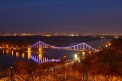 De Stad van Kiev, landschap, mening van de brug van hierboven Mooi V royalty-vrije stock foto's