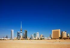 De Stad van Koeweit heeft eigentijdse architectuur omhelst Royalty-vrije Stock Fotografie
