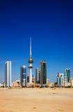 De Stad van Koeweit heeft eigentijdse architectuur omhelst Stock Afbeeldingen
