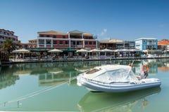 DE STAD VAN LEFKADA, GRIEKENLAND 17 JULI, 2014: Panorama van de stad van Lefkada, Griekenland Royalty-vrije Stock Afbeelding