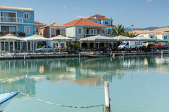 DE STAD VAN LEFKADA, GRIEKENLAND 17 JULI, 2014: Panorama van de stad van Lefkada, Griekenland Stock Foto's