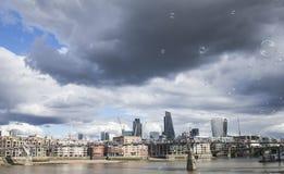 De Stad van Londen - bekijk van een afstand Stock Foto