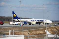 De vlucht van Ryanair van Lublin tot Dublin Stock Foto