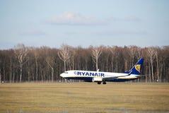 De vlucht van Ryanair van Lublin tot Dublin Stock Foto's
