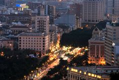 De stad van Malaga bij schemer Royalty-vrije Stock Foto