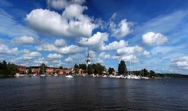 De stad van Mariefred (Zweden) Stock Afbeeldingen