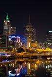 De stad in van Melbourne bij nacht Stock Fotografie