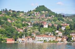 De stad van Menaggio bij Italiaans meer Como stock foto