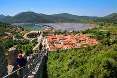 De stad van menings pof Ston en zijn verdedigingsmuren, Peljesac-Schiereiland, Stock Foto's